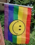 HAND WAVING FLAG - Rainbow Smiley